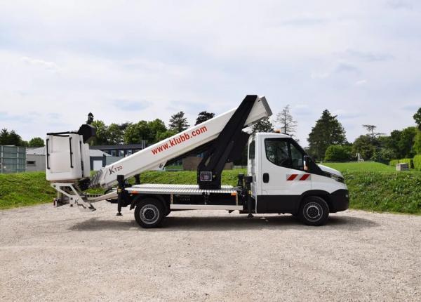 聚焦KLUBB 3.5吨轻卡式高空作业车 :多功能性与稳健性