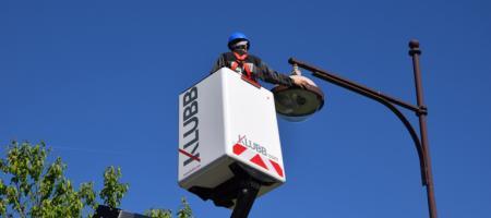 The K26 platform mounted on a cutaway van: a best-seller for street lighting installation and maintenance