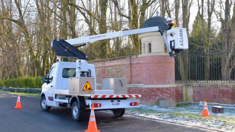 What are the advantages of boom lift rentals?