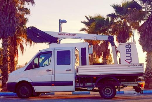 Fokus auf unseren meistverkauften, fahrzeugmontierten Lift K26 in Israel