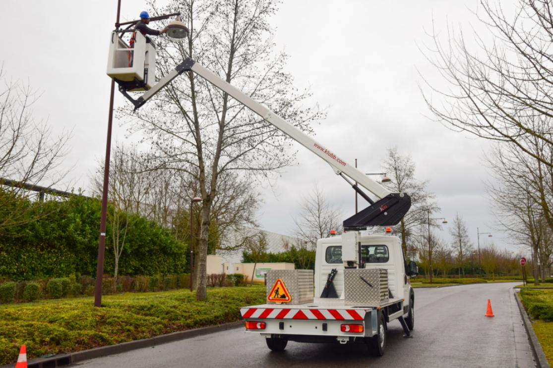 kl32 chassis mounted aerial access platforms