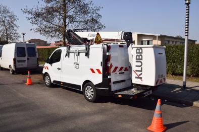 kl21b aerial work platform on van