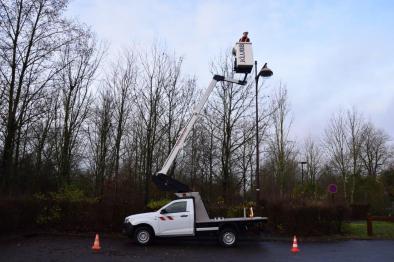 kl26 aerial platform on an isuzu dmax
