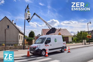 kl26 aerial work platform on van