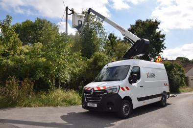 kl32 aerial work platform on van